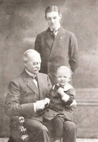 Claes med barn och barnbarn